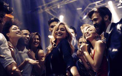 10 musiques qui bougent pour lancer votre soirée